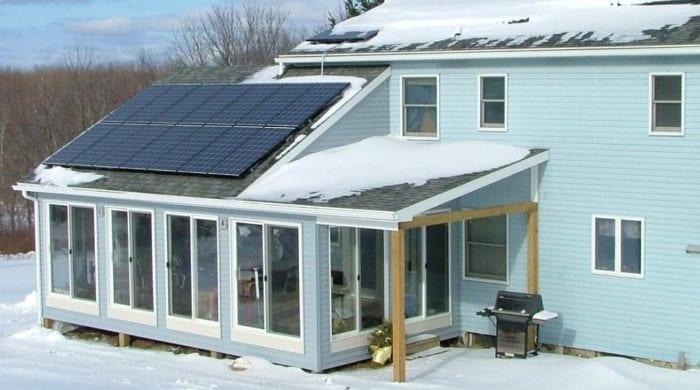 panouri fotovoltaice iarna