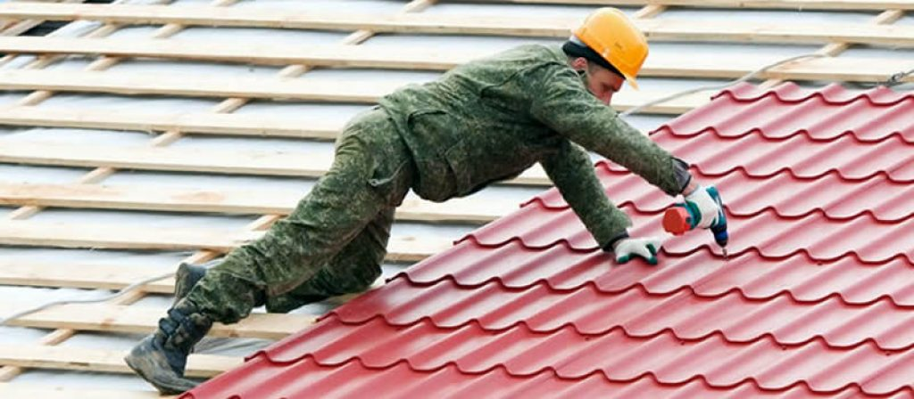 cum se monteaza tabla tip tigla pe acoperis